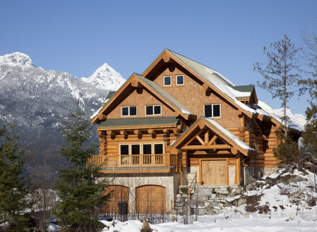 A home at the foot of the Rocky Mountains in Idaho.